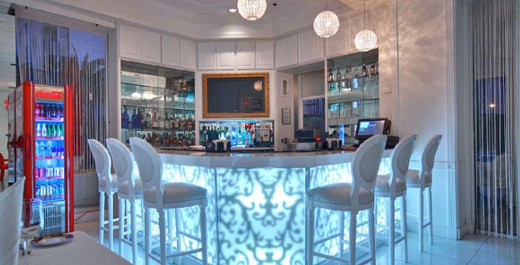 Buvez un verre au bar