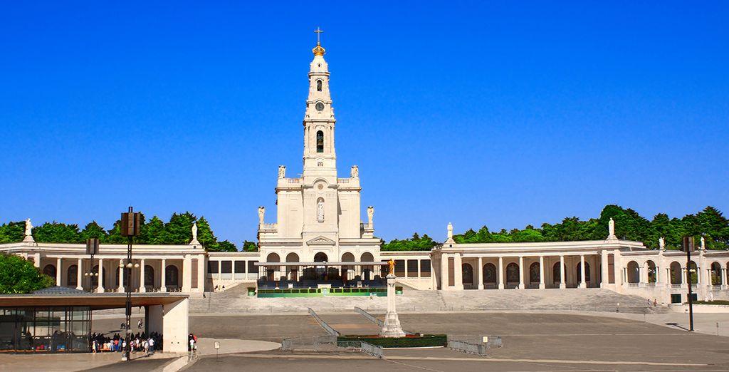 dont la basilique Notre Dame de Fatima