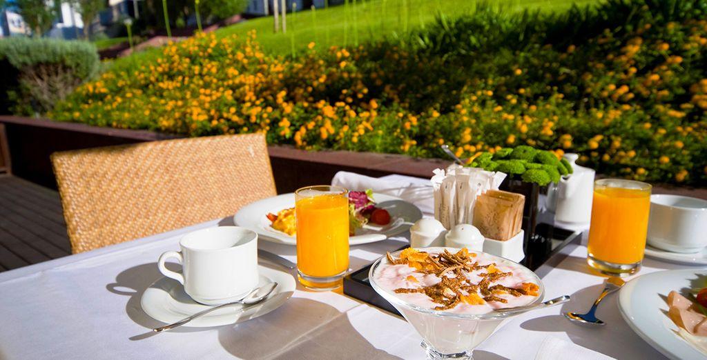 Profitez du petit-déjeuner en plein air si vous le souhaitez