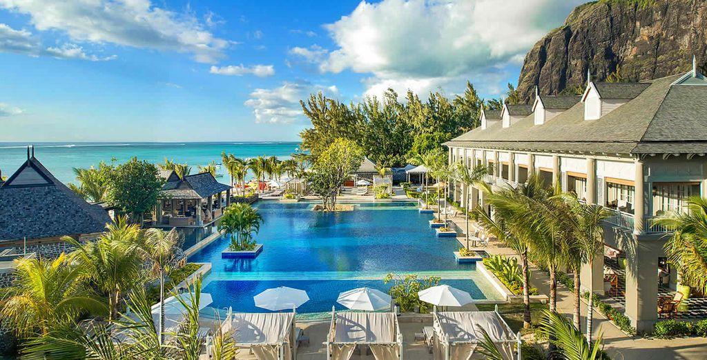 Bienvenue au St. Régis Mauritius Resort - Hôtel The St. Régis Mauritius Resort 5* Luxe et Stop Over à Dubai Le Morne