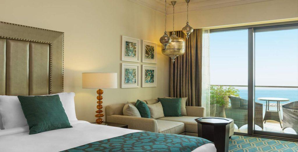 Profitez du surclassement dans l'agréable chambre Deluxe Sea View