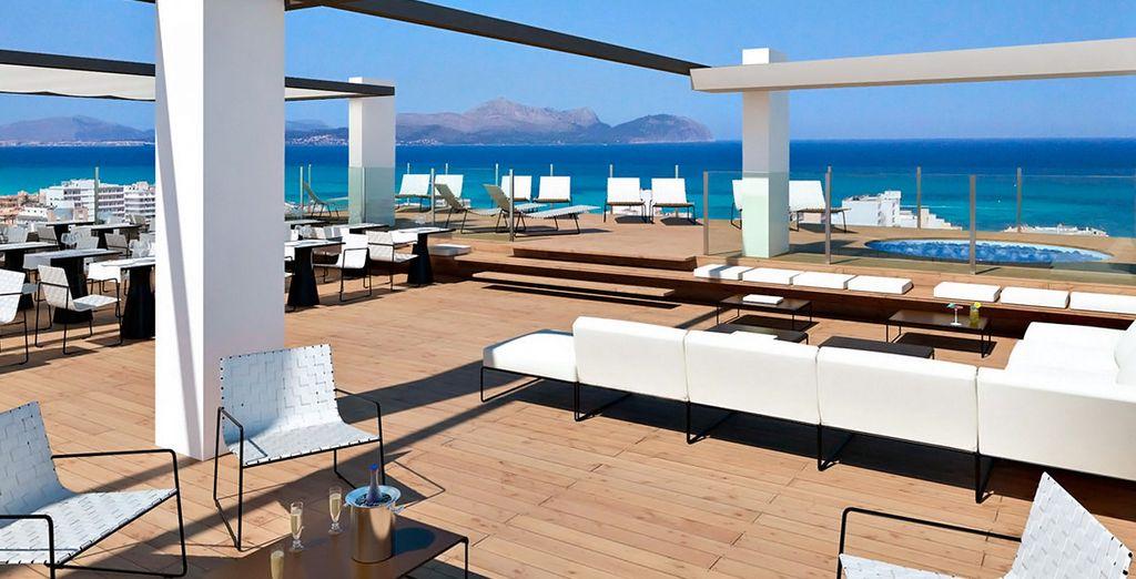 Tonga tower design hotel suites 4 voyage priv jusqu for Hotel design majorque
