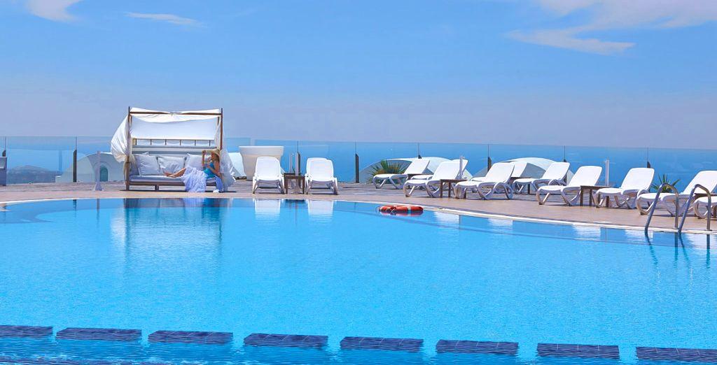 Partite per un soggiorno indimenticabile a Santorini presso l ...