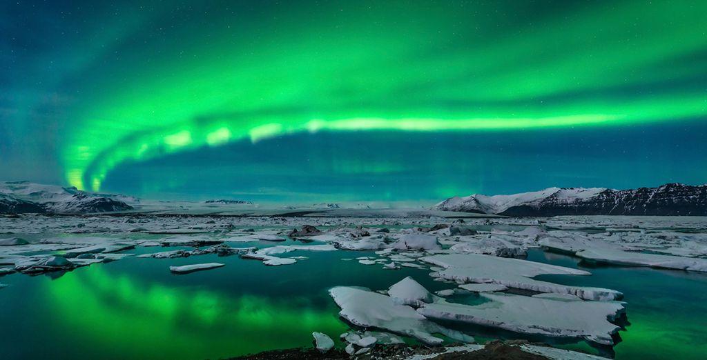 Seek out nature's amazing lightshow - the Northern Lights - Northern Lights & Blue Lagoon Escape Reykjavik