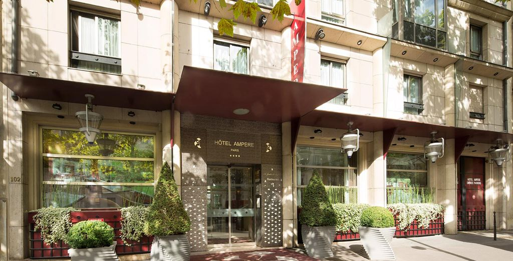 Then stay at Hotel Ampere - Hotel Ampere 4* Paris