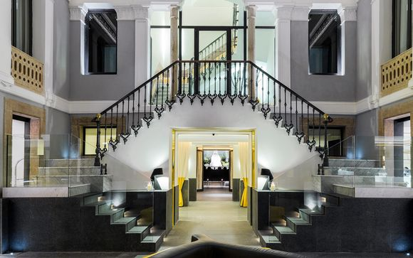 Hôtel H10 Urquinaona Plaza 4*