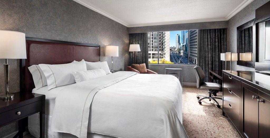 Westin Harbour Castle Hotel 4*