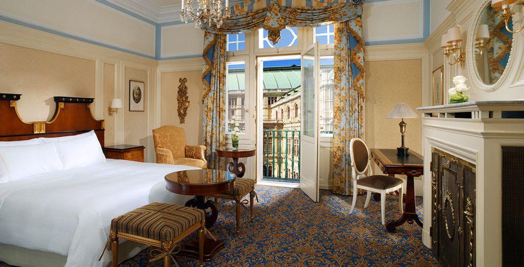 Ein tolles Deluxe Zimmer mit Blick auf die Oper steht für Sie bereit