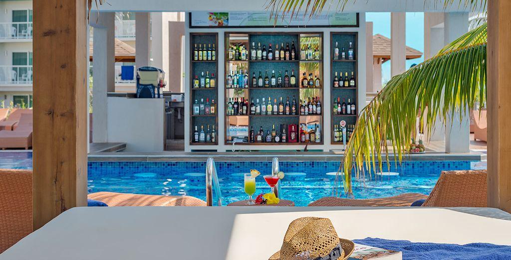 Oder suchen Sie etwas Schatten in einer Cabana am Pool