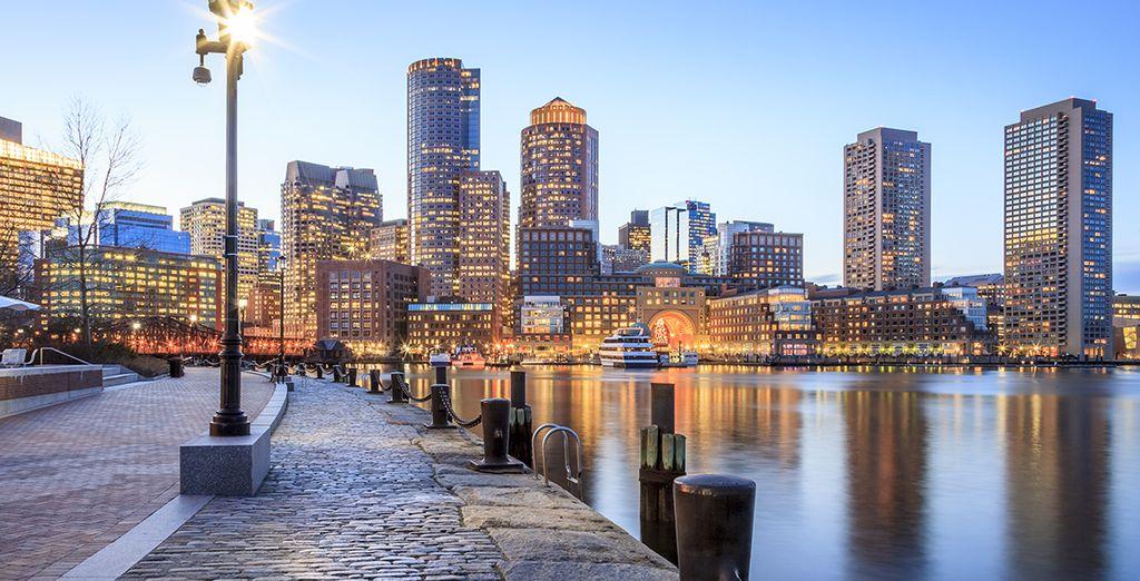 Spazieren Sie entlang des geschichtsträchtigen Hafens