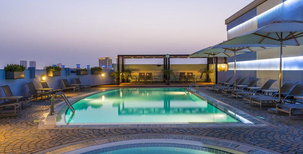 Kombireise 4* Coral Deira Dubai und Radisson Blu Yas Island Abu Dhabi