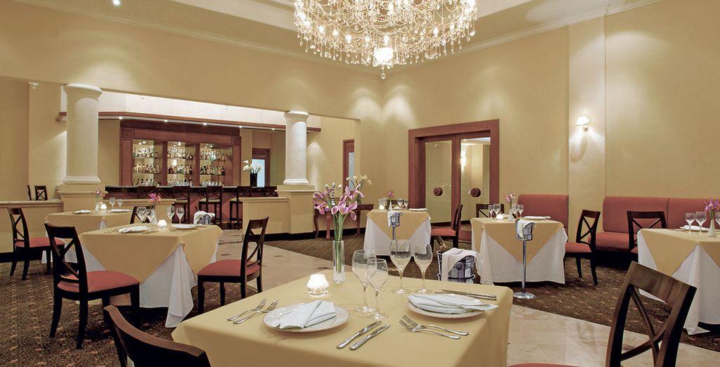 Am Abend können Sie ins Himitsu Restaurant gehen