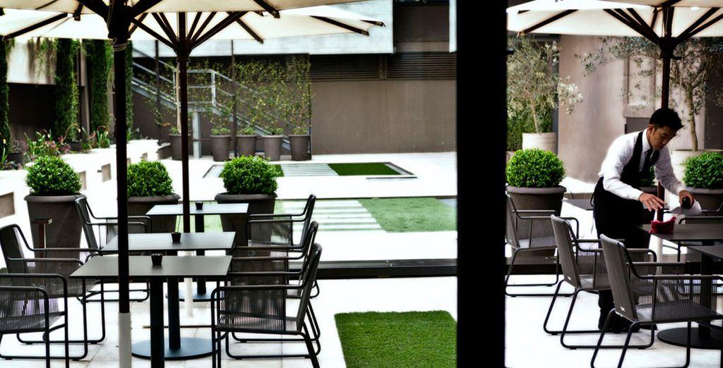 Im Sommer serviert das Restaurant auch auf der Terrasse im Freien