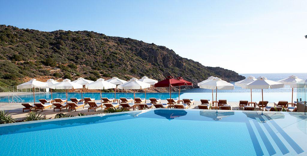 Tanken Sie Sonne am Pool