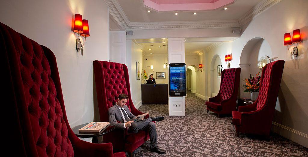 Sie übernachten im zentral gelegenen Bloomsbury Park Hotel