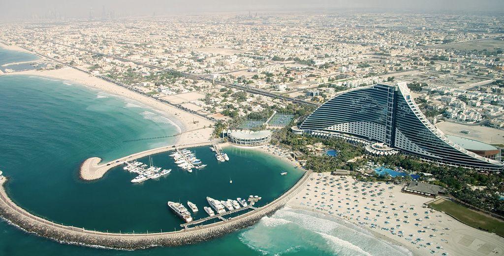 Nehmen Sie den kostenlosen Shuttleservice zum Jumeirah Beach