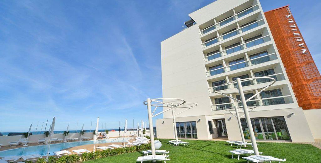 Das moderne Hotel ist erfreut Sie zu begrüßen