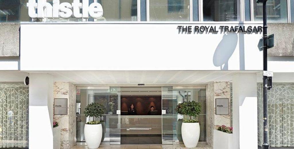 Sie wohnen strategisch günstig im Thistle Trafalgar Square Hotel