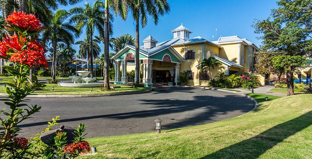 Willkommen im Jewel Paradise Cove Resort 5*!