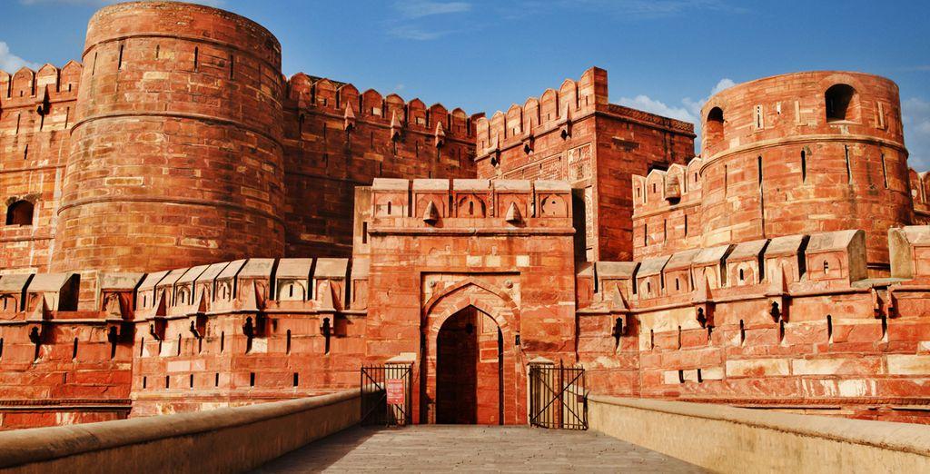 Agra ist berühmt für ihre rote Festung