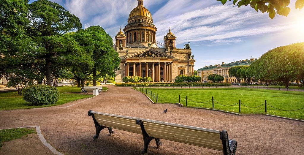 Wir wünschen Ihnen einen angenehmen Aufenthalt in St. Petersburg!