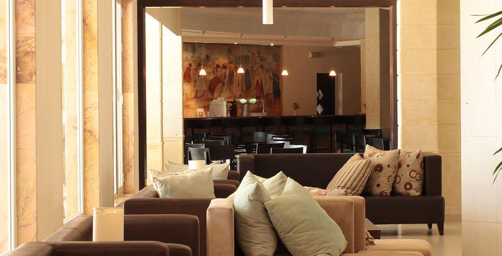 Oder im modernen Komfort der Lobby Bar
