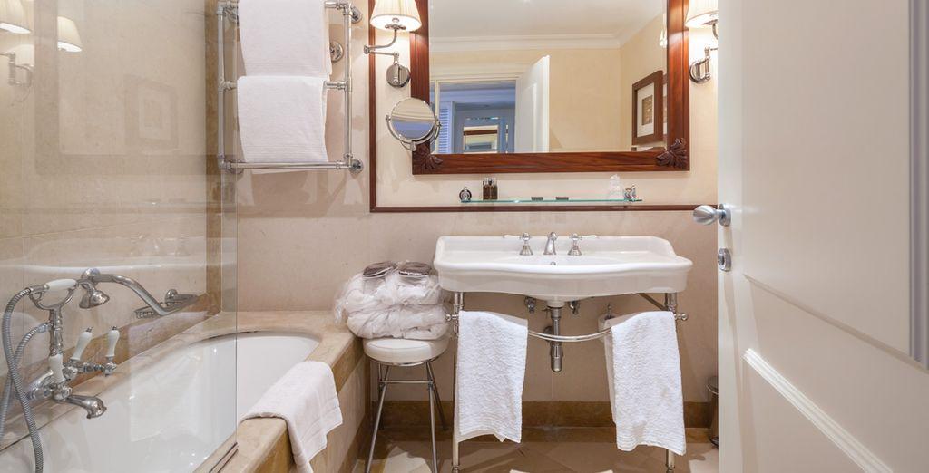 Ihr Badezimmer ist modern eingerichtet