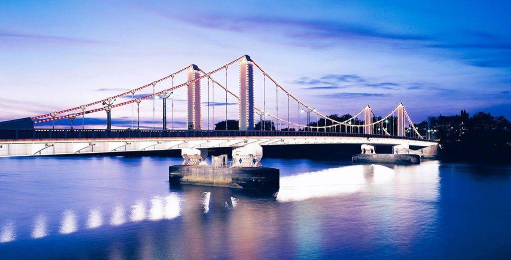 Nehmen Sie Ihren Weg über die Chelsea Bridge