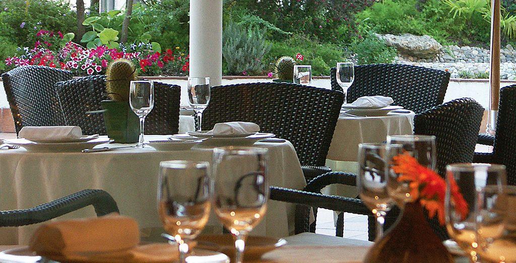 Abendessen in luxuriösem Ambiente