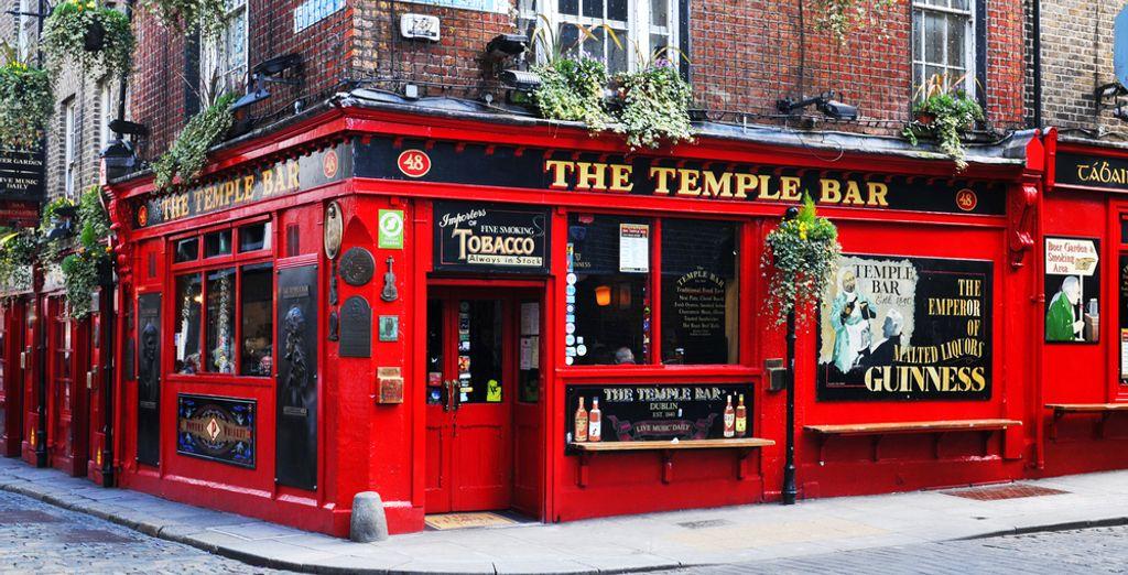 Machen Sie eine Tour durch die berühmte Temple Bar.