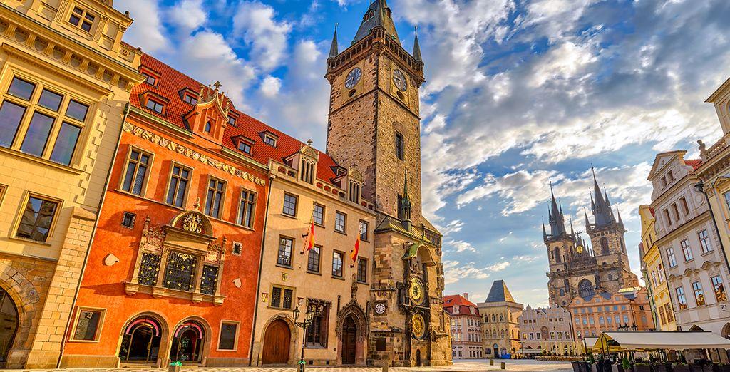 Erkunden Sie die Stadt Prag und ihre Farbarchitektur