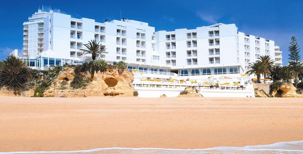 Buchen Sie das Hotel Holiday Inn Algarve in Portugal und genießen Sie die Sonne