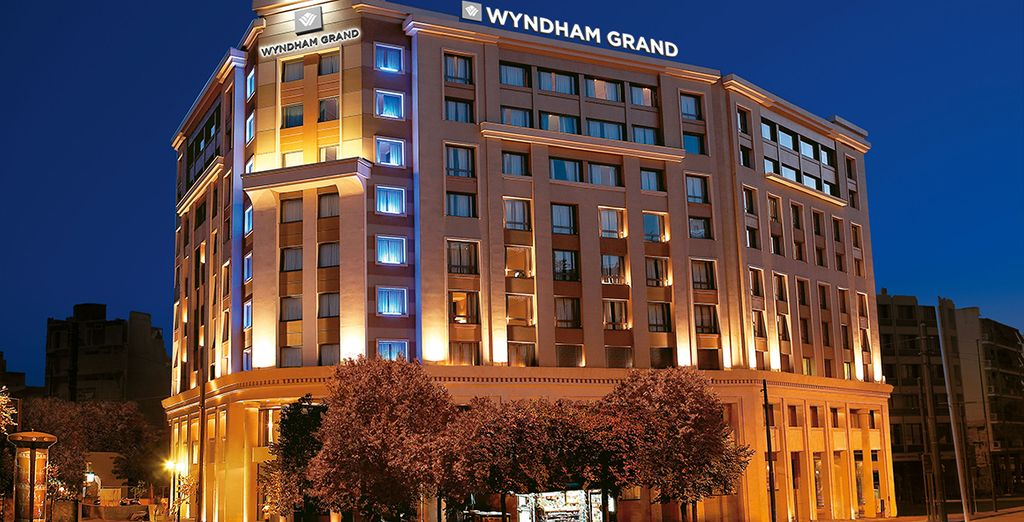 Hotel Wyndham Grand Athens 5*
