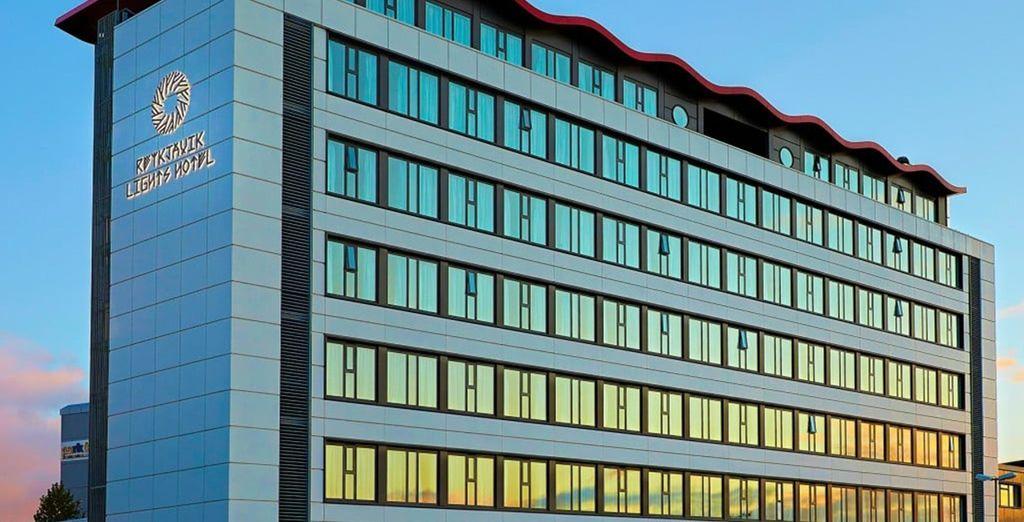 Sie übernachten dort im Reykjavík Lights Hotel 3*...