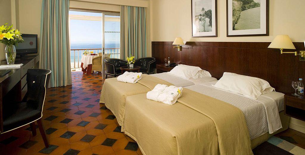 Descanse en una confortable Habitación Superior con Vistas al Mar