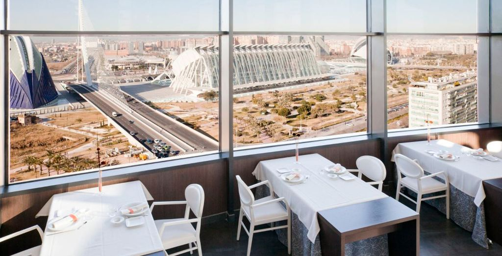 El restaurante Vertical ofrece increíbles vistas de la Ciudad de las Artes y las Ciencias