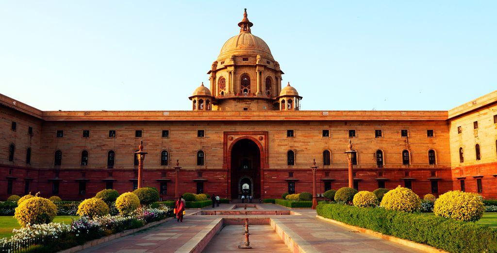 Continuará con una panorámica de los edificios gubernamentales a lo largo del Raj Path