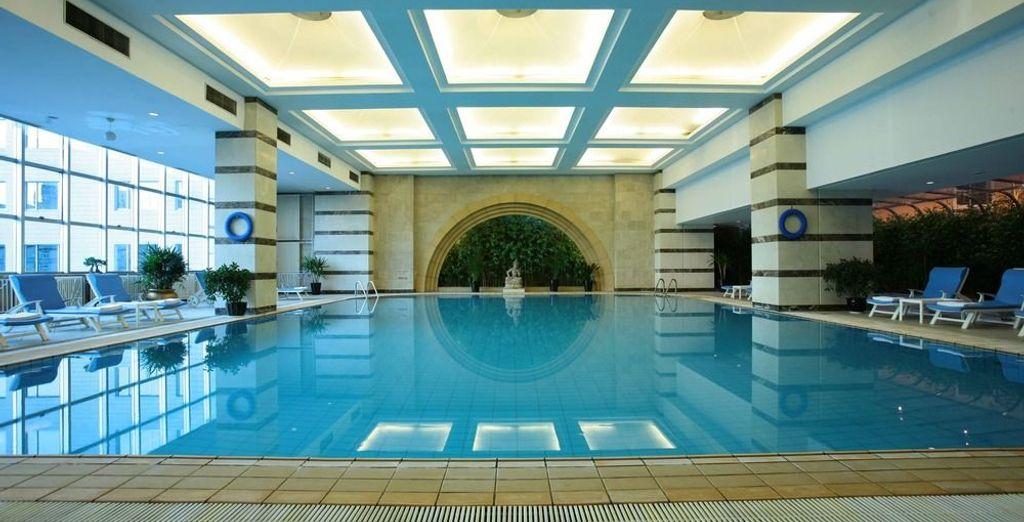 Cuenta con piscina cubierta