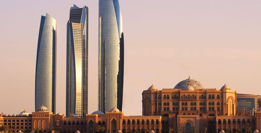 De manera opcional, podrás elegir una extensión para pasar las 2 primeras noches en Abu Dhabi