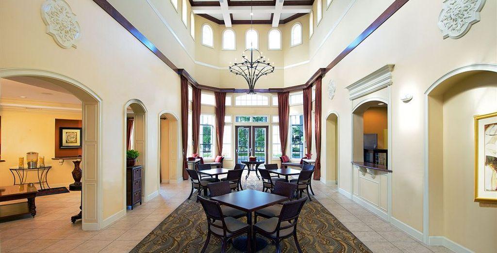 Los interiores son clásicos y elegantes