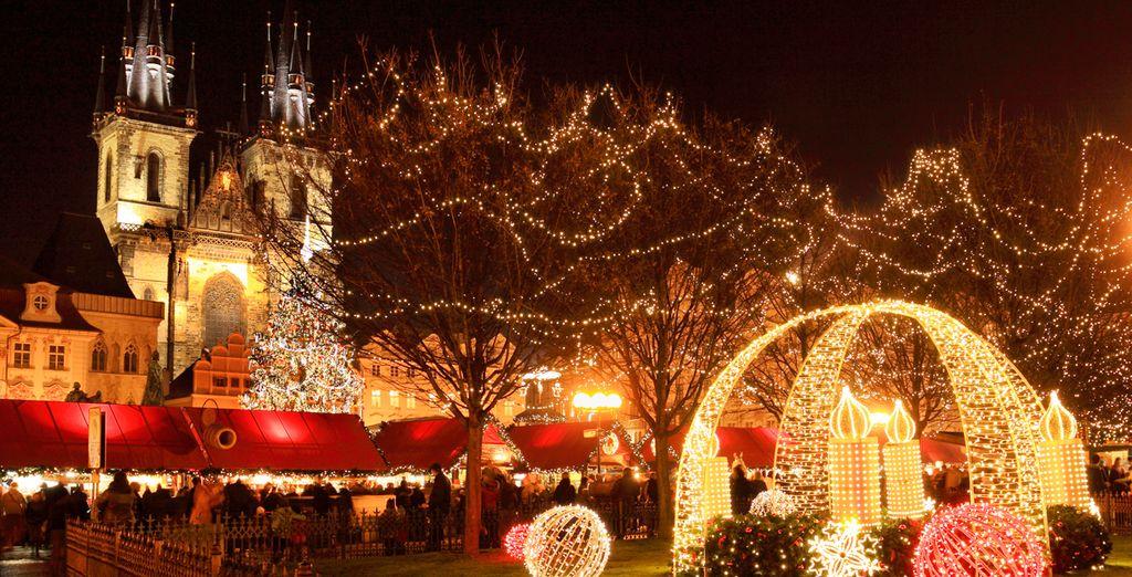 Venga durante el mes de Diciembre y sienta la navidad