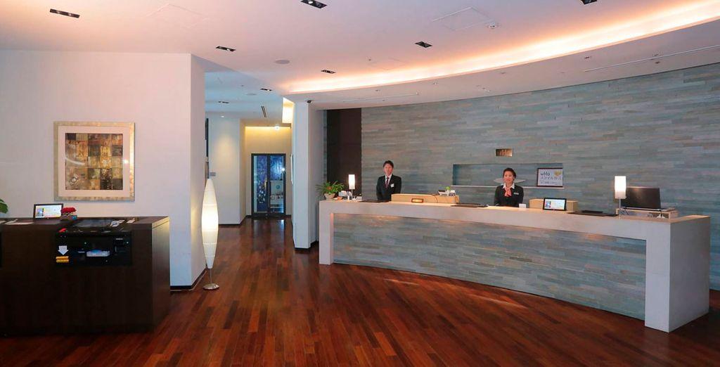 Durante tu estancia en la capital, te alojarás en el Hotel Gracery Ginza 4*