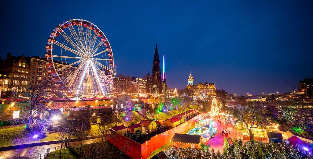 Desde finales de noviembre hasta enero, Edimburgo se impregna de la magia de la Navidad