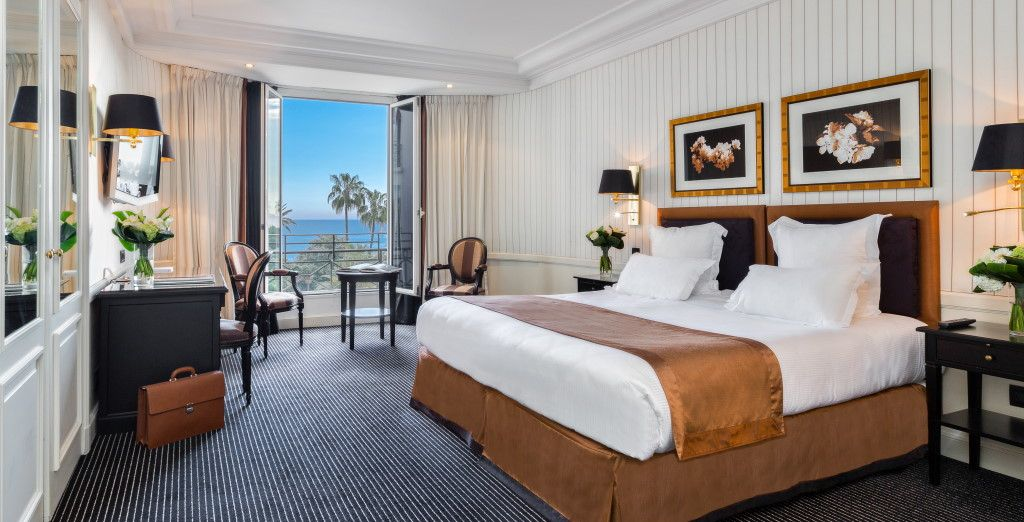 Descansarás en una habitación Prestige con vistas al mar...