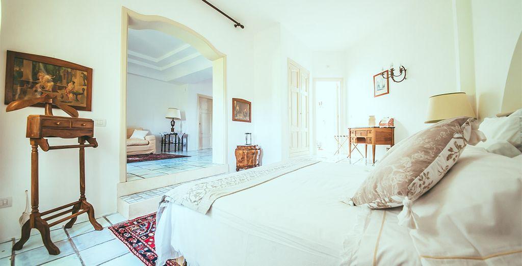 Su estancia está bellamente decorada por un anticuario