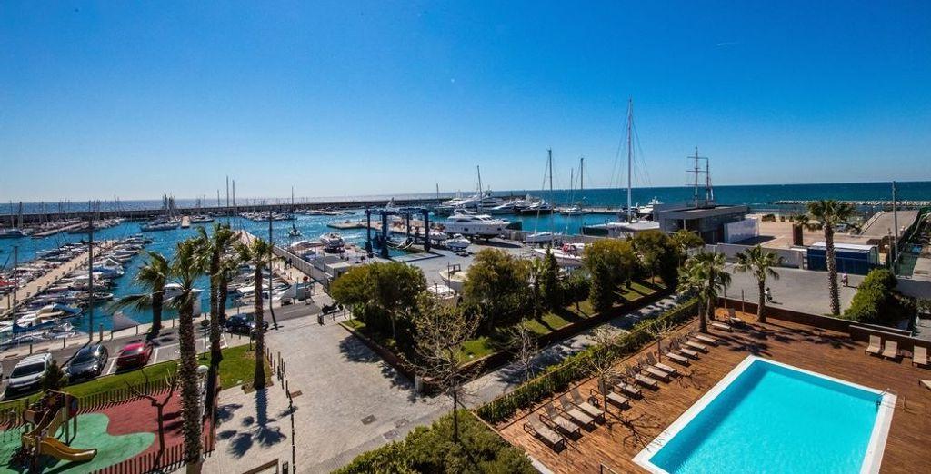 Junto al puerto deportivo de Mataró