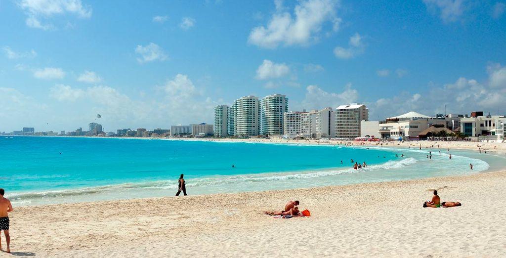 Relájese en las playas de arena blanca