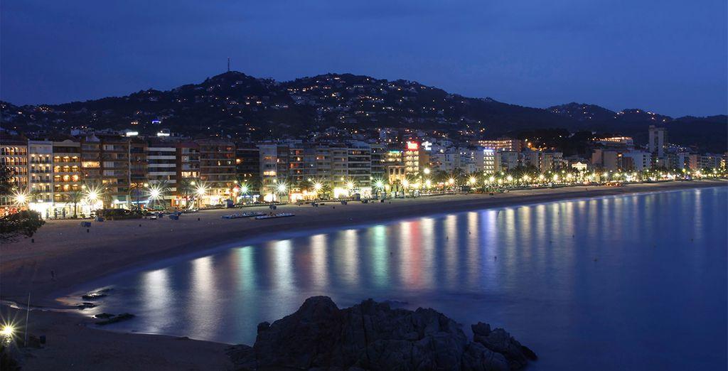 Disfrute de un paseo nocturno por las playas