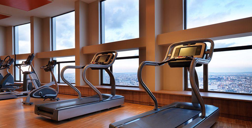 El hotel ofrece un gimnasio totalmente equipado