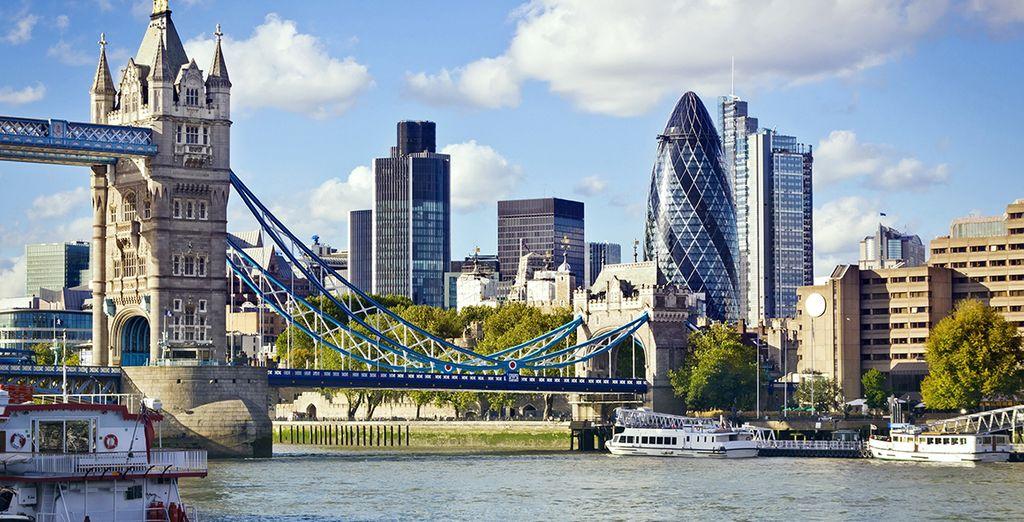El famoso puente de la Torre de Londres
